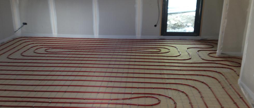 Installation d'un plancher chauffant.
